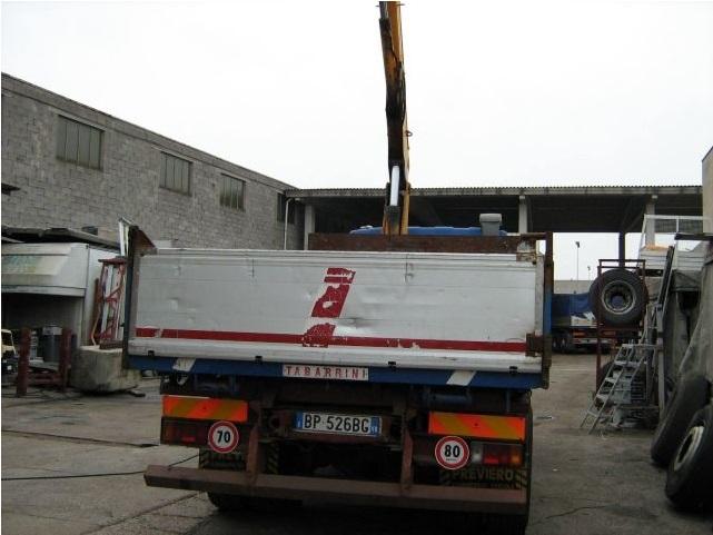 Camion CON GRU usati 3.jpg